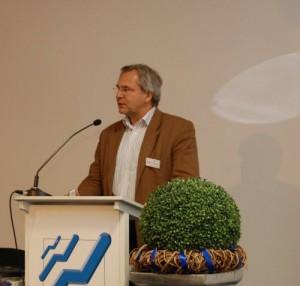 Prof. Dr. Martin Diewald referiert zur Verteilungsgerechtigkeit in Deutschland